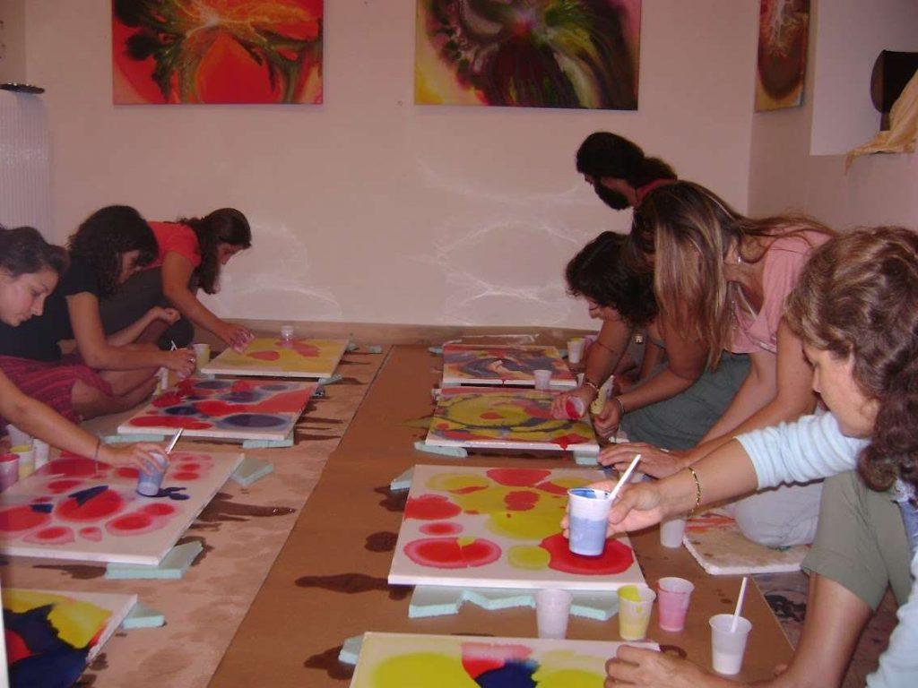 ενεργειακή ζωγραφική Έντεχνη δράση στο θησείο σεμινάριο