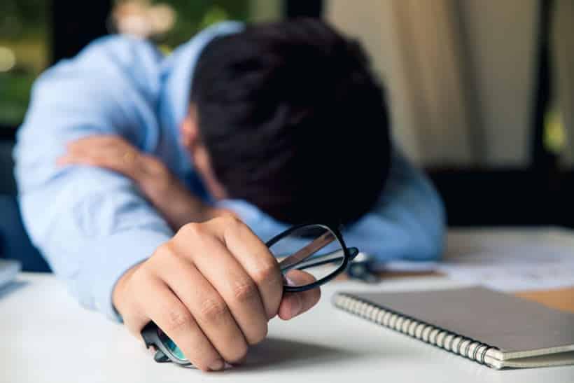 έντεχνη δράση σκέψεις άγχος ψυχοθεραπεία
