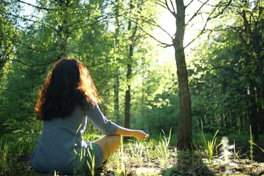 φύσης οικοψυχολογία grounding φύση τέχνη ψυχολογία